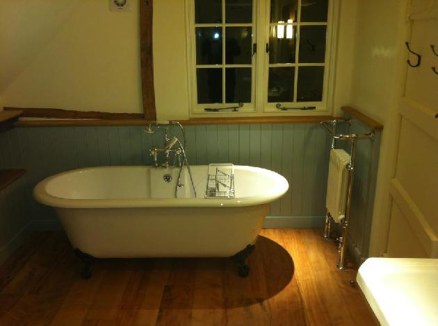 TRADITIONAL BATHROOM REFURBISHMENT PLUMBING SOUTH KILWORTH
